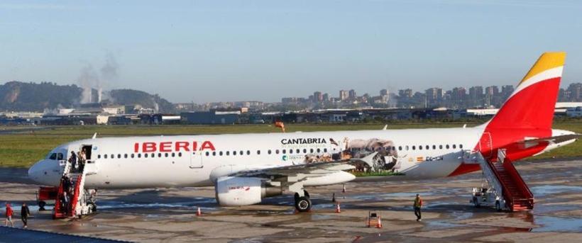 Avión de Iberia rotulado por Cantabria