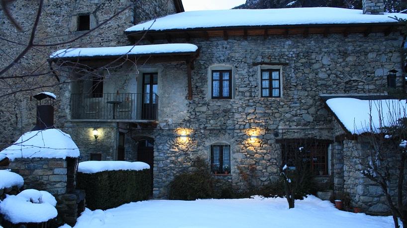 Casa Coll - exterior nevado