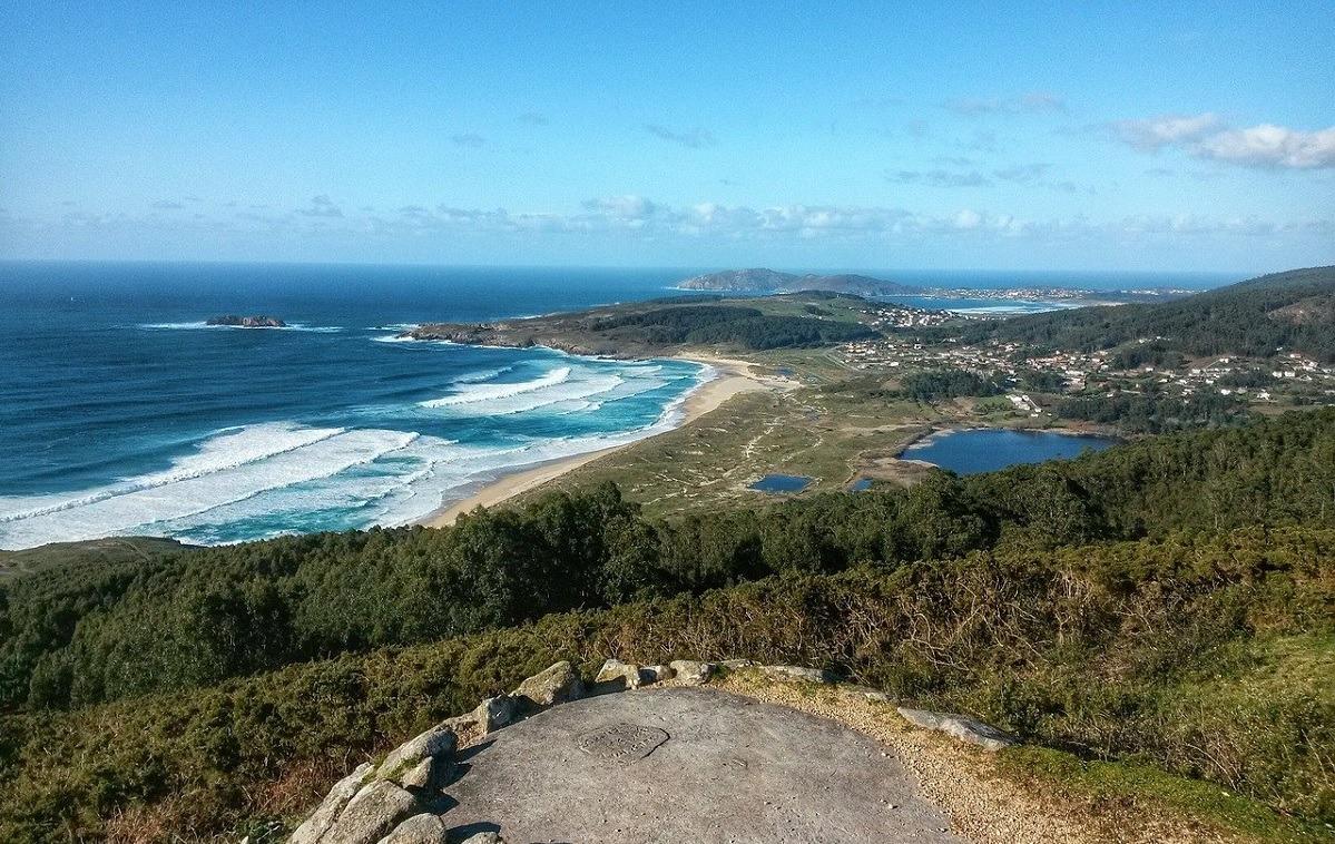 moda-y-surf-ejes-de-la-estrategia-de-la-espana-verde-para-captar-turistas-2021-03-29-moda-y-surf-ejes-de-la-estrategia-de-la-espana-verde-para-captar-turistas-1