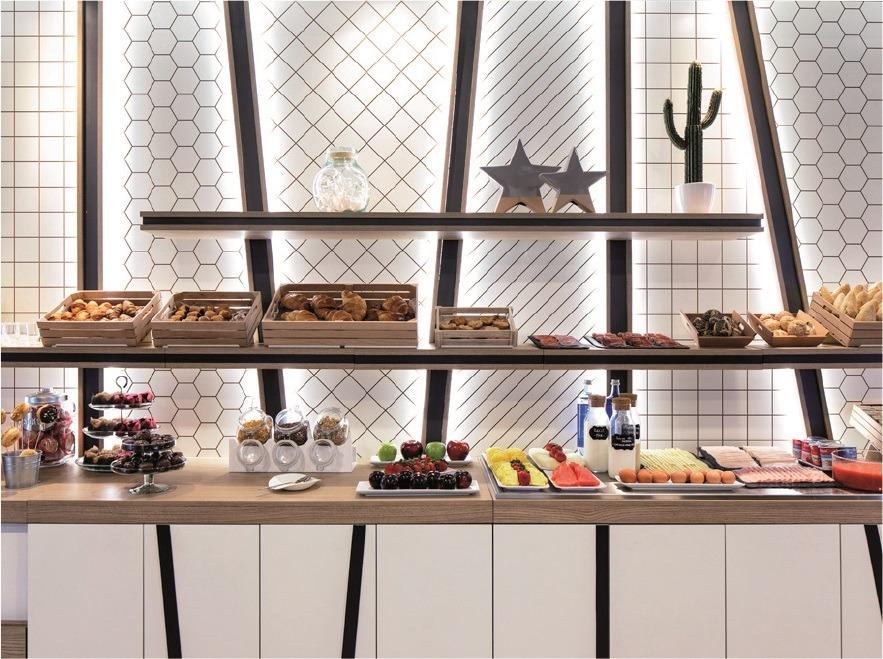 Ibis Styles A Coruña buffet